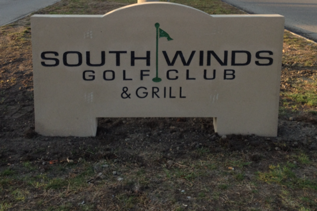 South Winds Golf Club Bar and Grille sign